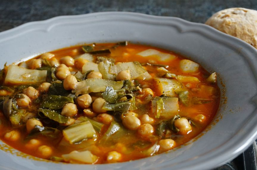 Cacciucco, or chickpea soup amidst the snow